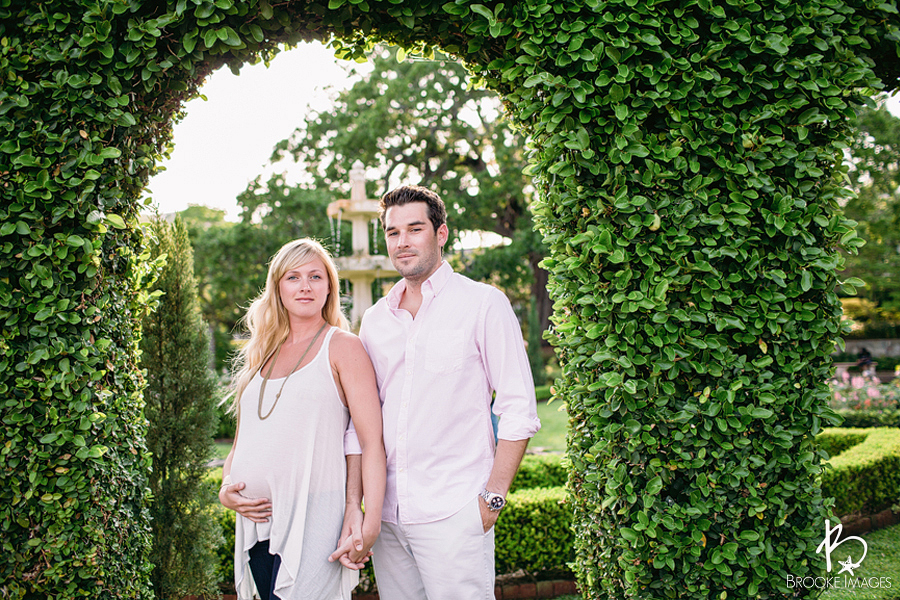 Jacksonville Lifestyle Photographers, Brooke Images, Maternity Session, Lori and Brad, Cummer Museum, Downtown Jacksonville, Boone Park, Riverside